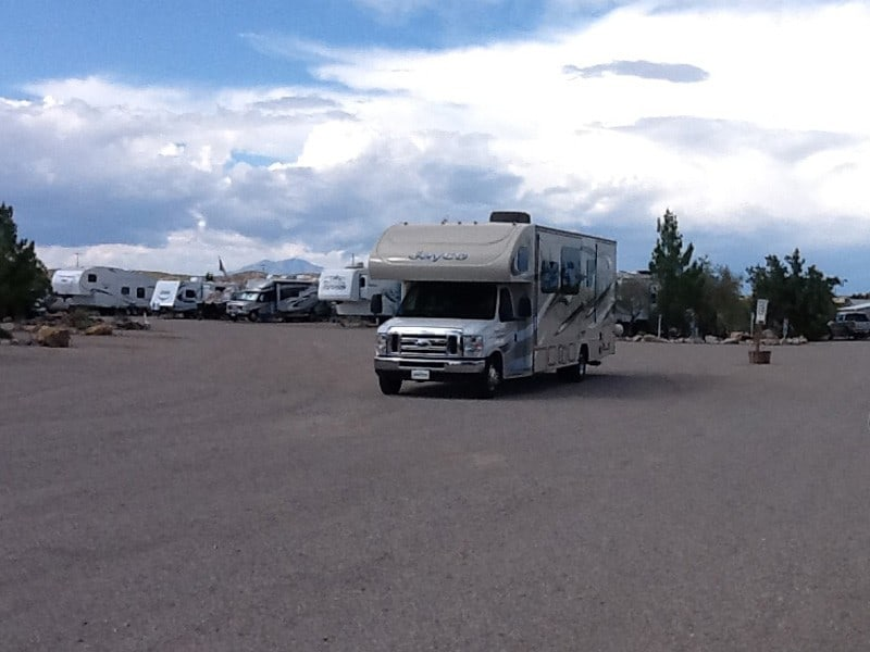 Cedar-Cove-RV-Park-pulling-in